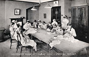Sewing room, children's home 1900